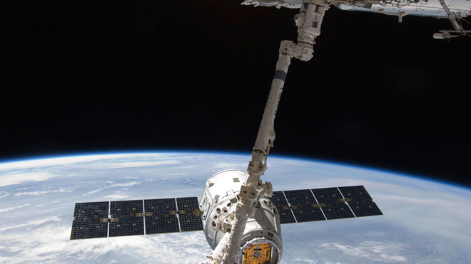 SpaceX Dragon at ISS 01