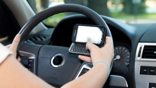 texting while driving 660.jpg