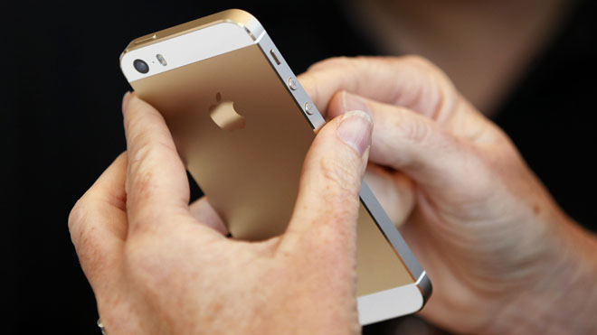 iPhone5SGold-Reuters0913.jpg