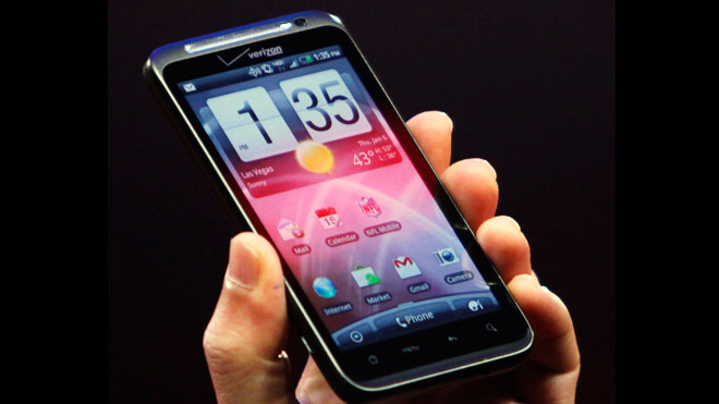 Verizon's HTC ThunderBolt: A Beast in 4G Speed, But Also in Size