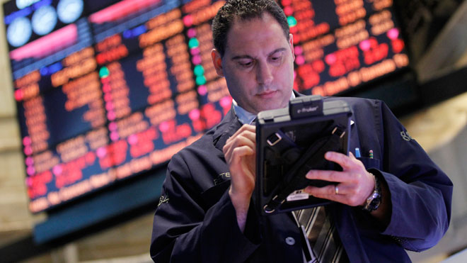 NYSE Trader Looks at Tablet