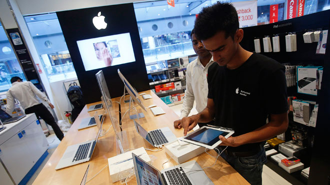 customer, apple, Apple store, ipad, iphone, AAPL