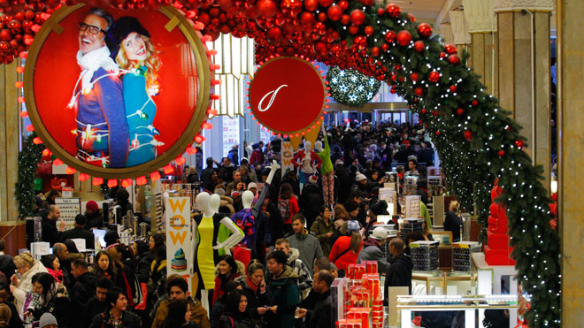 macy's, holiday shoppers crowd